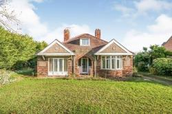 Detached House For Sale  Waddington Lincolnshire LN5