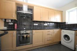 Flat To Let  Romford Essex RM3