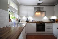 Semi Detached House To Let Kennington Ashford Kent TN24