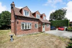 Detached House To Let Rowde Devizes Wiltshire SN10