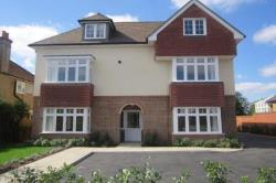 Flat To Let  Chessington Surrey KT9