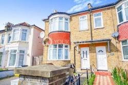 Semi Detached House To Let  Ilford Essex IG1