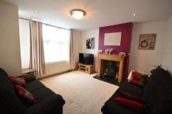 Semi Detached House To Let Northfleet Gravesend Kent DA11