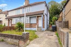 Semi Detached House To Let  Hemel Hempstead Hertfordshire HP2