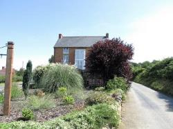 Detached House For Sale  Welsh pool Powys SY21