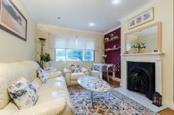Flat For Sale  Tolworth Surrey KT6
