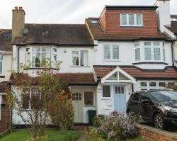 Terraced House For Sale  West Wickham Kent BR4