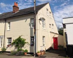 Detached House To Let  Hungerford Berkshire RG17