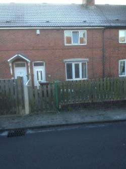 Terraced House To Let  Pontefract West Yorkshire WF9