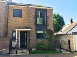Terraced House For Sale  Harlow Essex CM17