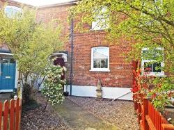Terraced House For Sale  28 The Vale Norfolk NR14