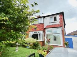 Detached House For Sale  20 Carisbrook Avenue Greater Manchester M45