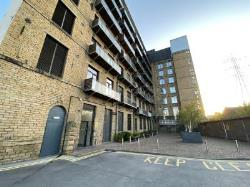 Flat For Sale  Huddersfield Road West Yorkshire HD6