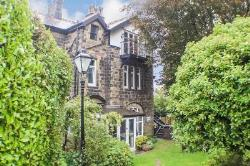 Flat For Sale  Hangingstone Road West Yorkshire LS29