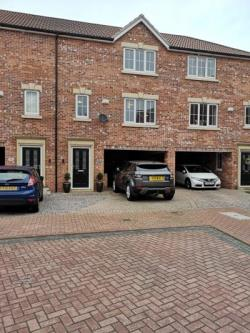 Terraced House For Sale  Barton-upon-Humber Lincolnshire DN18