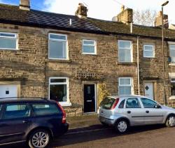 Terraced House For Sale  High Peak Derbyshire SK22