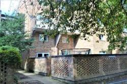 Maisonette For Sale  Cambridge  Cambridgeshire CB4