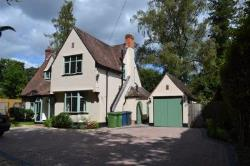 Detached House To Let  Chalfont St Giles Buckinghamshire HP8