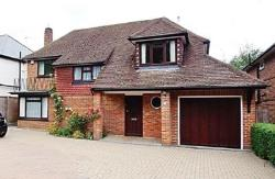 Detached House To Let  Chorleywood Hertfordshire WD3