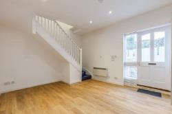 Terraced House To Let  Twickenham Middlesex TW1