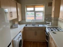 Flat To Let  New North Road Essex IG6