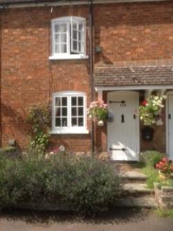 Terraced House To Let  Bedford Bedfordshire SG17