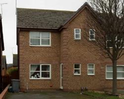 Semi Detached House To Let  Penrhyn Bay Conwy LL30