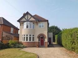 Detached House For Sale  Offenham Worcestershire WR11