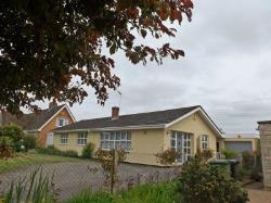 Detached Bungalow For Sale  Lenchwick Worcestershire WR11