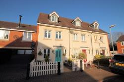 Terraced House For Sale  Bedford Bedfordshire MK44
