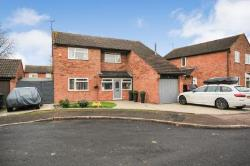Detached House To Let  Malvern Herefordshire WR13