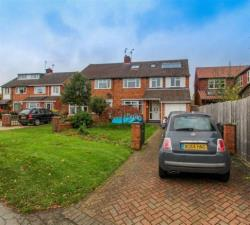 Semi Detached House To Let  Southam Warwickshire CV47