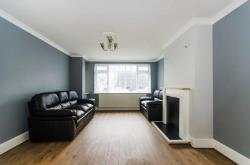 Terraced House To Let  Greenford Middlesex UB6