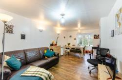 Flat To Let  Queensbury Greater London NW10