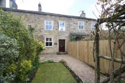 Terraced House To Let  ADDINGHAM West Yorkshire LS29