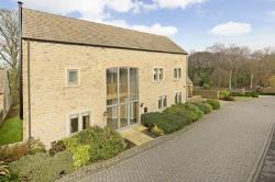 Detached House To Let MENSTON ILKLEY West Yorkshire LS29