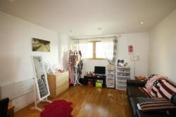Flat To Let CROWN POINT ROAD LEEDS West Yorkshire LS9