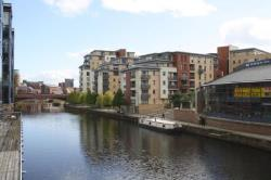 Flat To Let  CROMWELL COURT West Yorkshire LS10