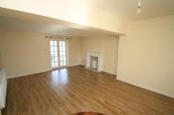 Flat To Let  ALTOFTS West Yorkshire WF6