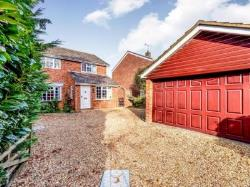 Detached House To Let  Wilstead Bedfordshire MK45