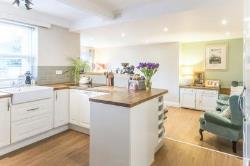 Semi Detached House To Let  Thurleigh Bedfordshire MK44