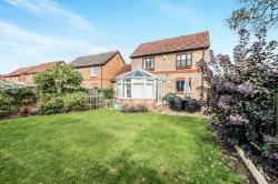Detached House To Let  Marston Moretaine Bedfordshire MK43