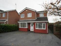 Detached House To Let  Ripley Derbyshire DE5