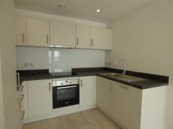 Flat To Let Centenary Quay Southampton Hampshire SO40