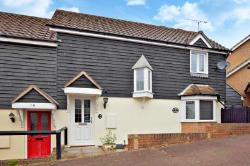 Semi Detached House To Let  Braintree Essex CM7