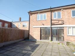 Terraced House To Let  Bromsgrove Worcestershire B61