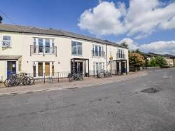 Flat For Sale  Cambridge Cambridgeshire CB4