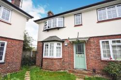 Flat To Let  Hayes Close Essex CM2