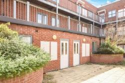 Flat To Let  Broomfield Road Essex CM1