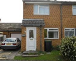 Semi Detached House To Let  Christchurch Dorset BH23